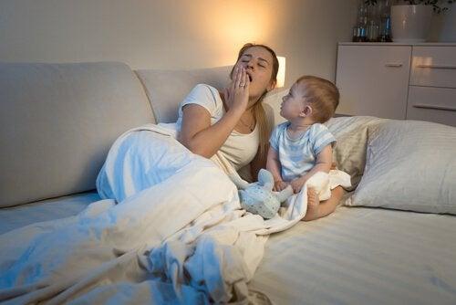 Bebeğinizin Uyku Düzeni Bozuksa Ne Yapmalısınız?