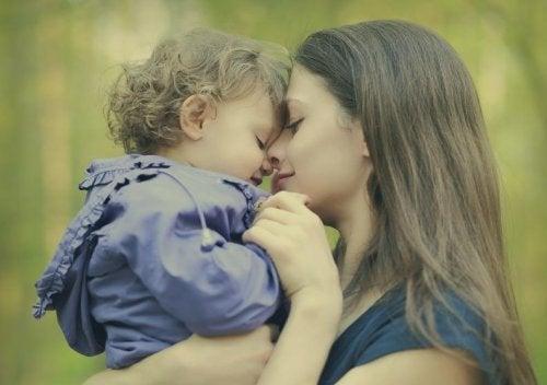 Her Annenin Zaman Zaman Söylediği 7 Beyaz Yalan