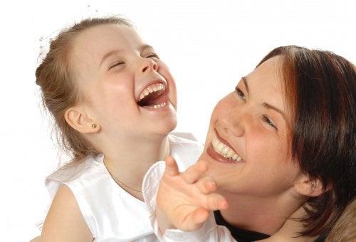 Çocuklarda Mizah Duygusu Nasıl Gelişir?