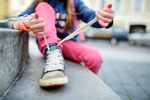 Çocuklarınıza Ayakkabı Bağlamayı Öğretin