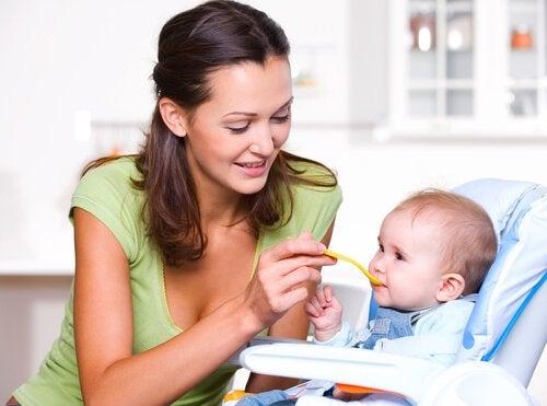Bir Bebeğin Hayatının İlk Senesinde Doğru Beslenmesinin Önemi