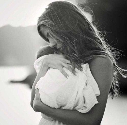 Diğer Bir Anneye Söyleyebileceğiniz En Kuvvetli Cümle