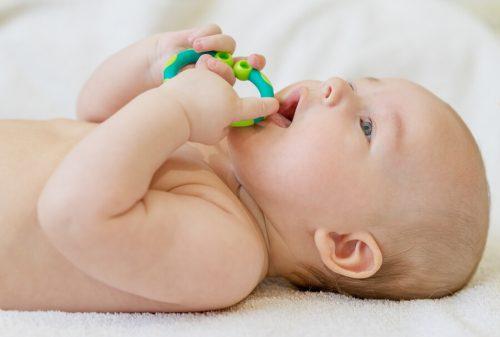 Bebeklerde diş eti ağrısı