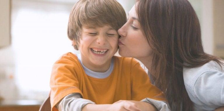 Çocukların Duygusal Gelişimine Nasıl Yardımcı Olabilirsiniz?