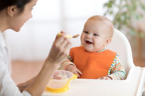 Bebekler için 8 meyve püresi