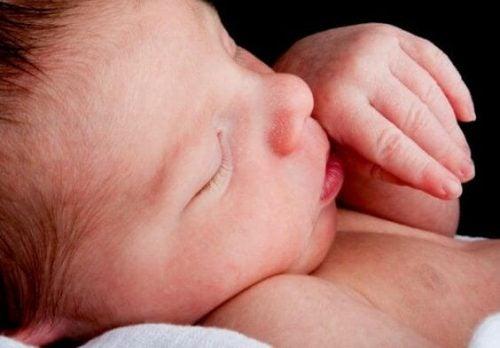 Düşük Kilonun Yeni Doğmuş Bebek