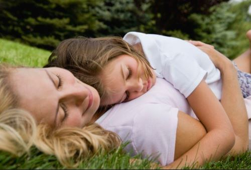 Çocuklarınızı Sevgi İle Beslerseniz Duygusal Olarak Sağlıklı Büyürler