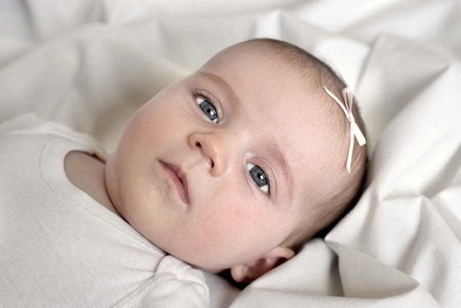 Bebekler Doğduğunda Gözleri Neden Gri Renkte Olur?