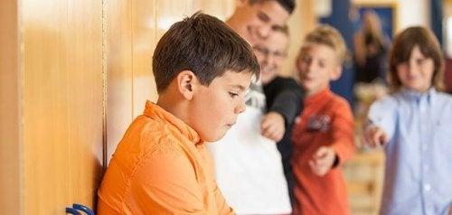 Çocuğum Sınıf Arkadaşlarını Isırırsa Ne Yapmalıyım?
