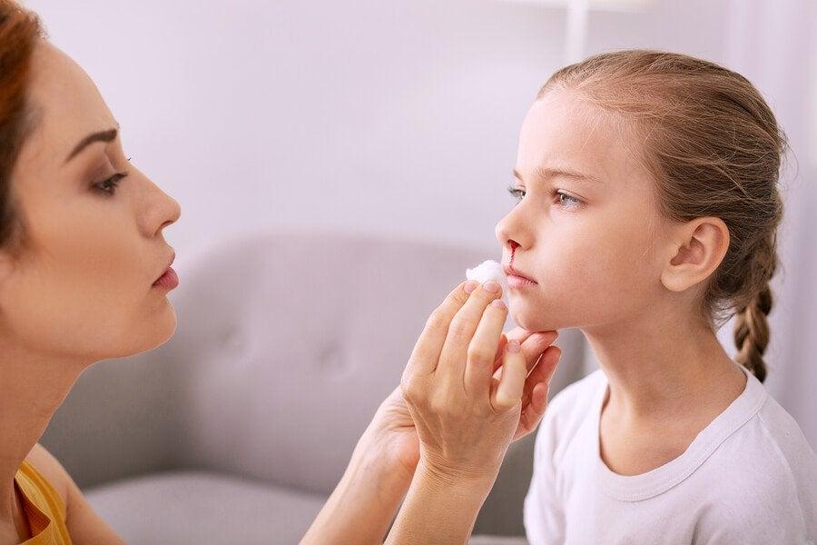 Çocuklardaki Burun Kanamaları Nasıl Önlenir ve Nasıl Tedavi Edilir