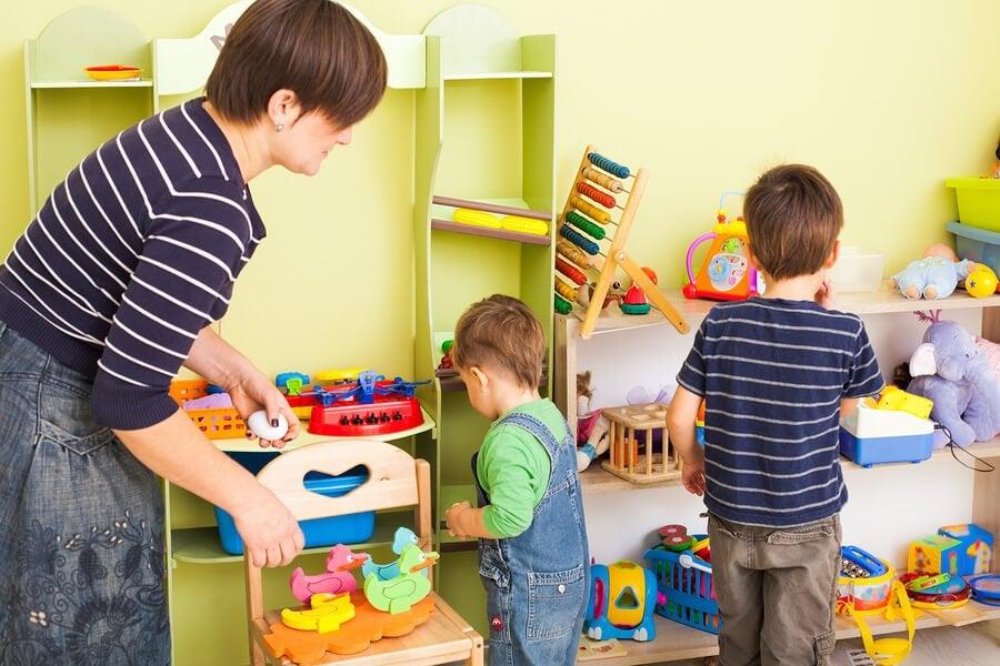 Çocuklara Odalarını Toplamayı Öğretmenin 10 Yolu