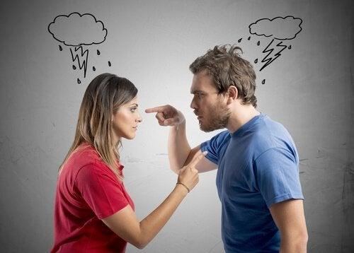 Çocukların önünde tartışmak kötü bir fikirdir