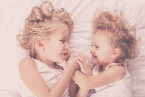 kız kardeşler