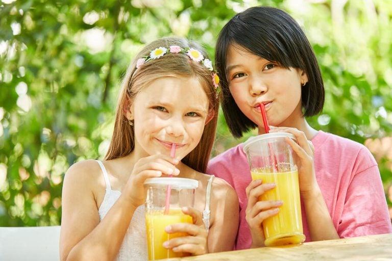 Çocuklar için Meyve Suyu