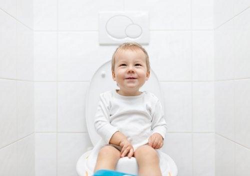 Tuvaletini yapan bebek