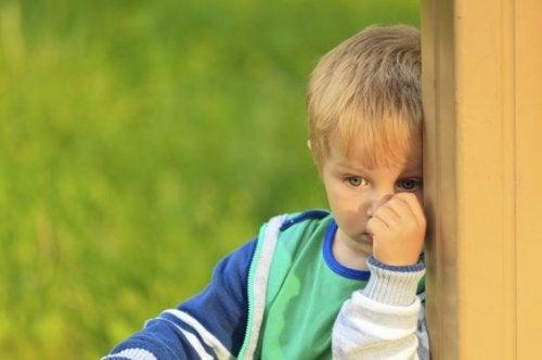 Çocuklarda Seçici Konuşmazlık Nedir?