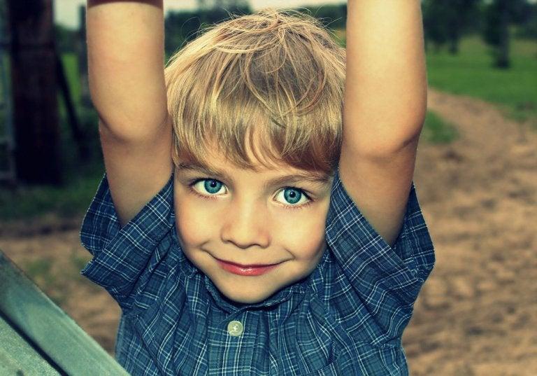 Çocuğunuza Kendine Gülmeyi Öğretin