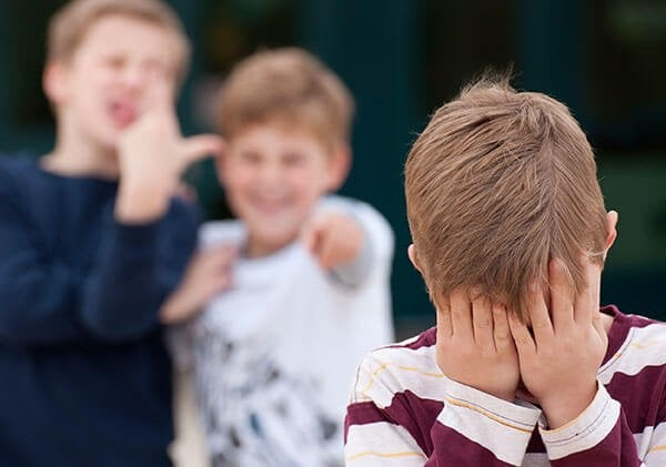 Çocuğunuz Zorbalığa Uğruyorsa Ne Yapmalısınız?