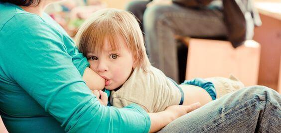 Bebek Nasıl Sütten Kesilir? Bu Zorlukla Nasıl Başa Çıkılır?