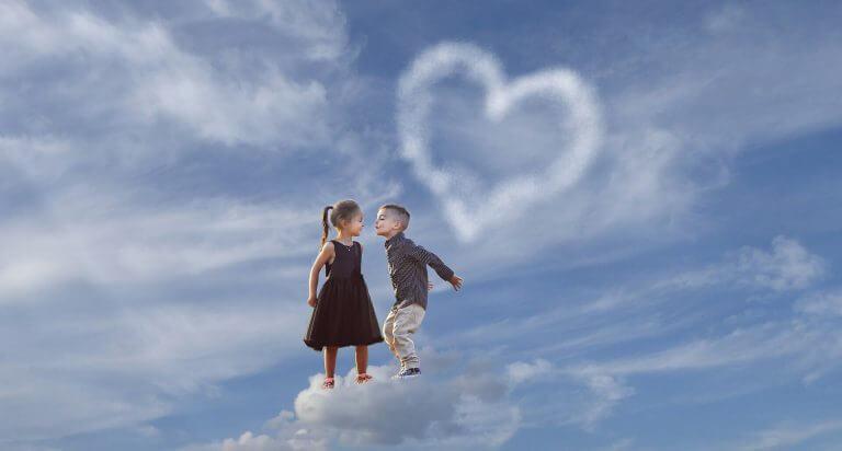 bulutlarda çocuklar