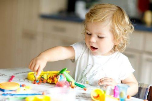 2 Yaşındaki Çocukların Becerilerini Geliştiren 8 Oyuncak
