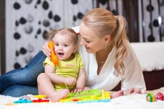 Bebeklerin Konuşmaya Başlamasına Yardımcı Olacak Tavsiyeler