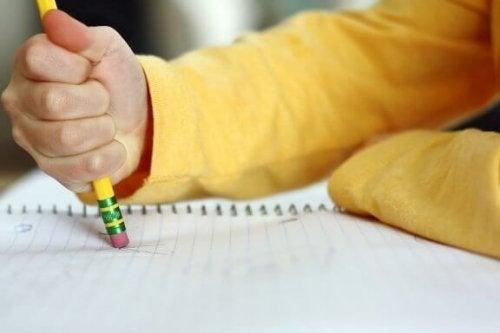 Çocukların Çok Fazla Yazım Hatası Yapması