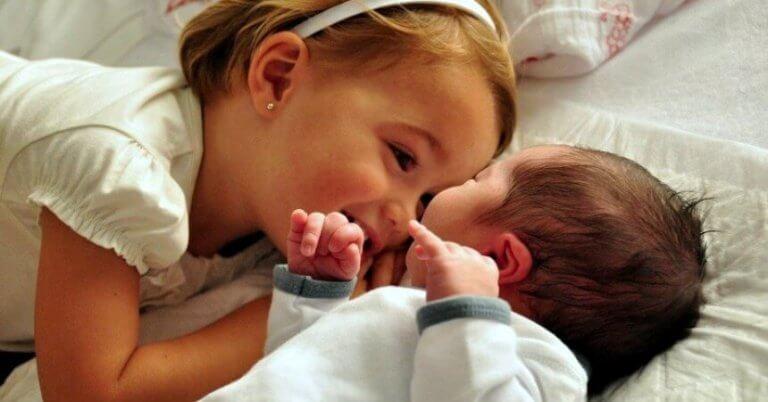 Çocuklarınızı Yeni Bir Bebeğin Gelişi İçin Hazırlamak