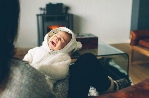 Bebeğiniz Geceleri Ağlıyorsa Ne Yapılmalı?