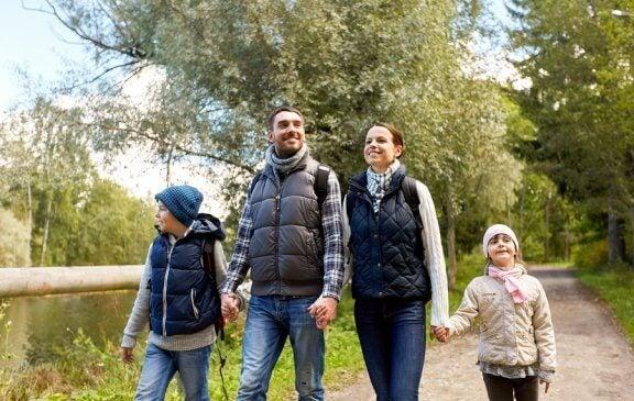 Ailece Yürüyüş Yapmanın Faydaları
