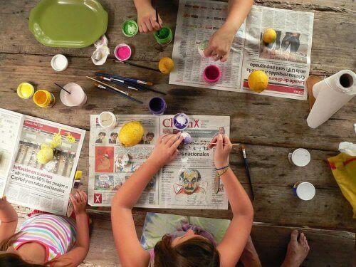 2-3 Yaşlarındaki Çocuklar İçin Basit El İşi Aktiviteleri