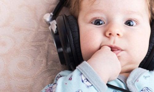 Bebeğinizi Uyutmak İçin En İyi Müzikler