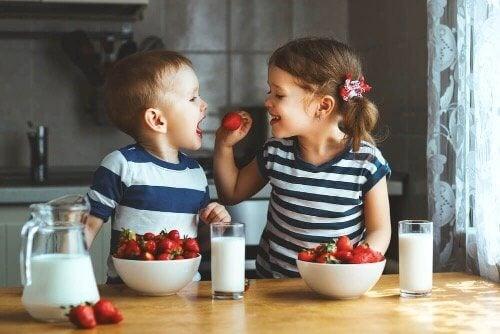 İkizleri Okulda Ayırmak: Avantaj ve Dezavantajları