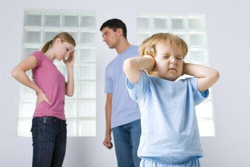 İşlevsiz Aileler: Çocuklar Bunu Nasıl Atlatır?