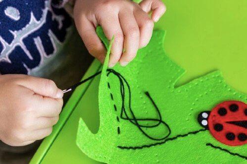 Kendin Yap Oyuncaklar: Çocuklarınız için Eğlence Garantili