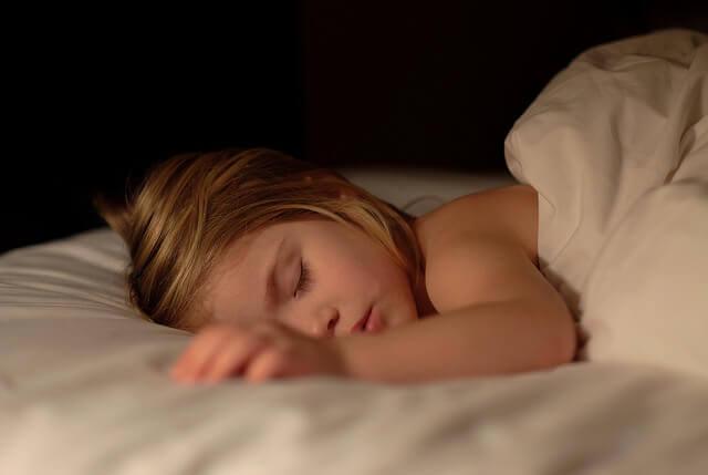Çocuğunuzun Yatağını Islatmayı Bırakması İçin 9 Tavsiye