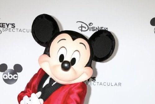 Mickey Mouseun 90ıncı Yılı Kutlanıyor Ben Anneyim