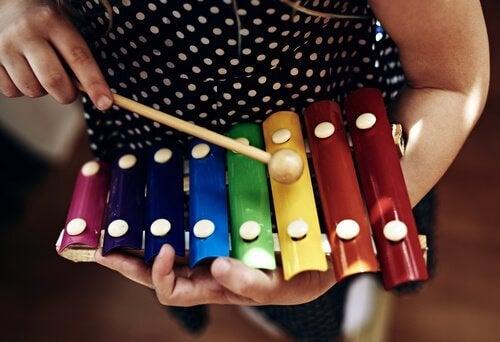 oyuncak müzik aleti