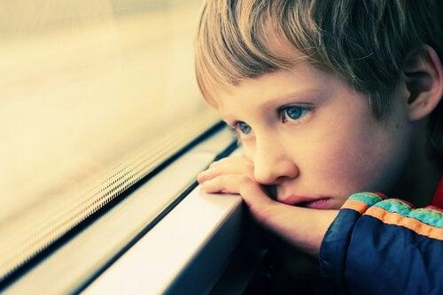 Otistik Çocuklar: Bilmeniz Gereken Her Şey