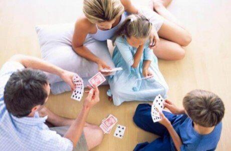 Oyun Oynamak Çocuklarınızın Zekasını Güçlendirir
