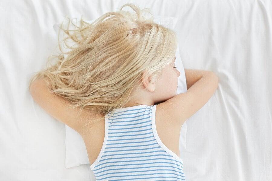 Kuşluk Uykusu Çoçuklar için Gerçekten Gerekli mi?