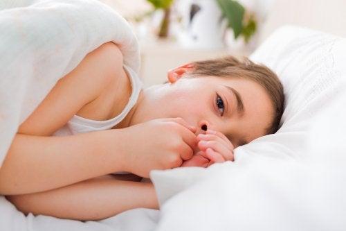 solunum yolu enfeksiyonları öksüren çocuk