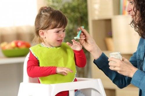 Eğer Çocuğunuz Yemek Yemiyorsa Ne Yapmalısınız?