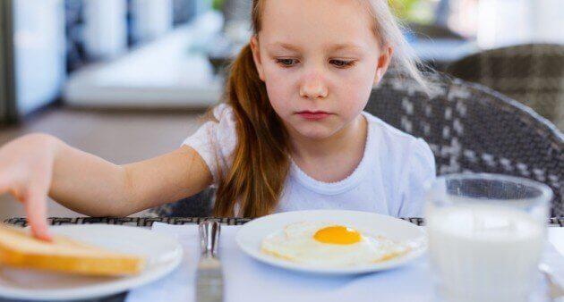 Çocuğum Daha Az Yemek Yiyor, Endişelenmeli Miyim?