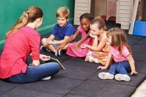 Çocuğunuza Uyuşmazlıkları Çözmeyi Öğretecek Üç Oyun