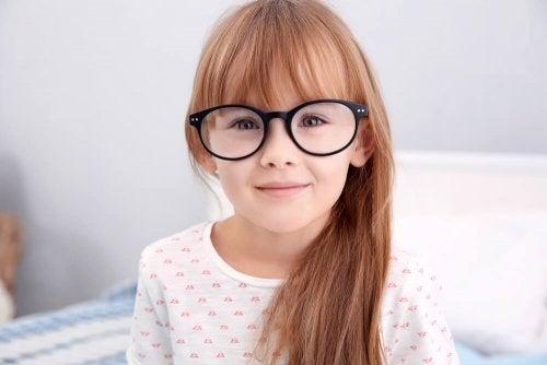 Çocuklarda Hipermetropi: Nedir ve Nasıl Düzeltilir