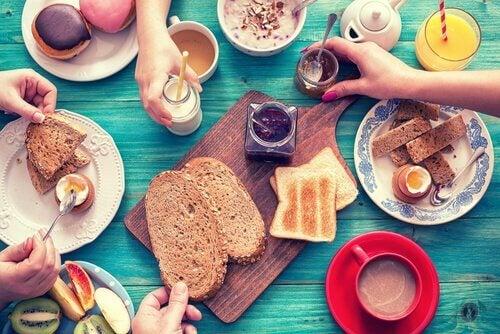 besleyici kahvaltı fikirleri