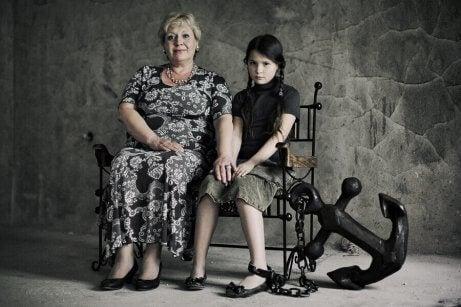 mutsuz anne ve kızı