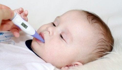 Bebeklerde Düşük Nötrofiller: Nedenleri, Belirtileri ve Tedavisi