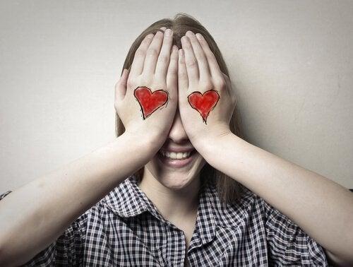 Çocuğunuzun İlk Aşkı: Nasıl Karşılık Vermelisiniz?